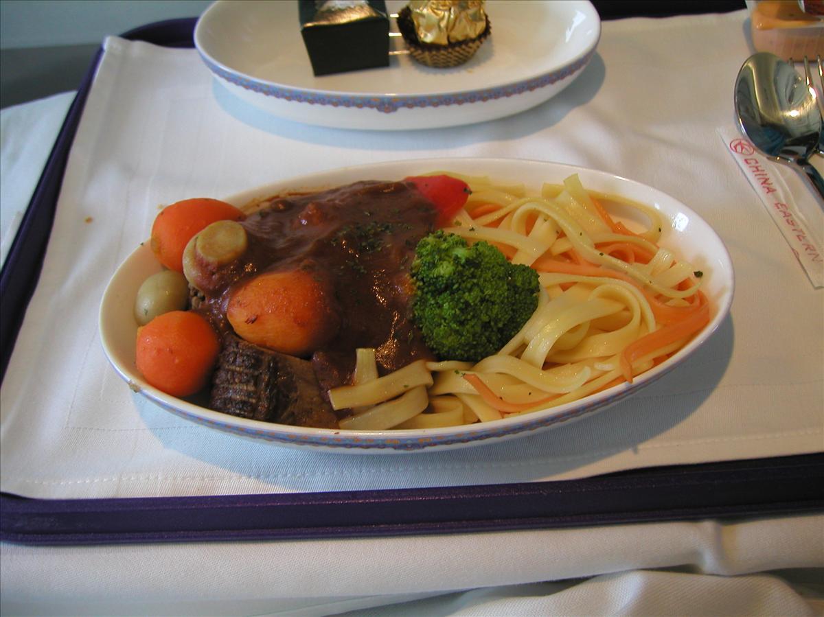 中国東方航空(MU)機内食(メインディッシュ)