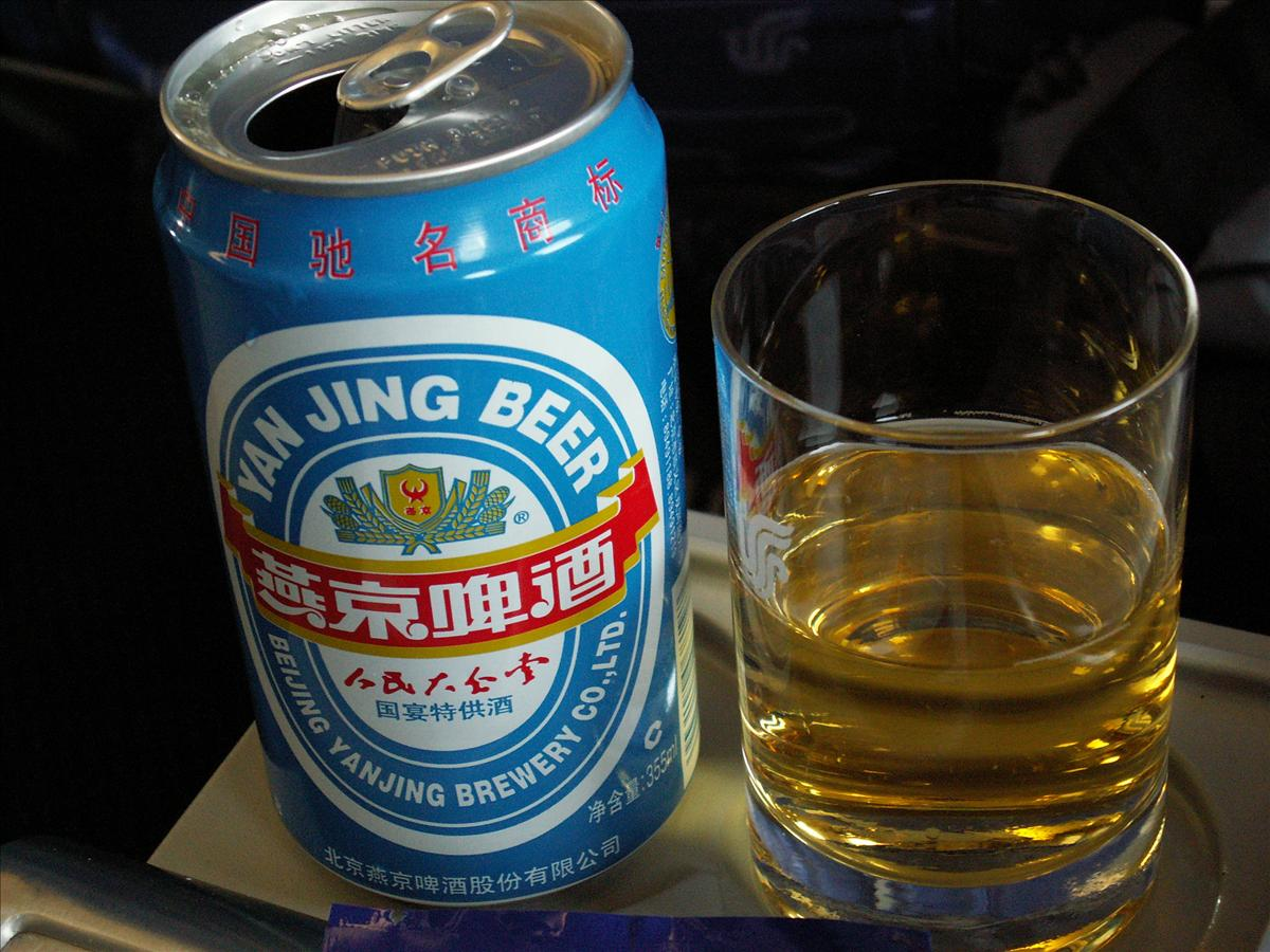 ビールは北京発中国国際航空(CA)機内食