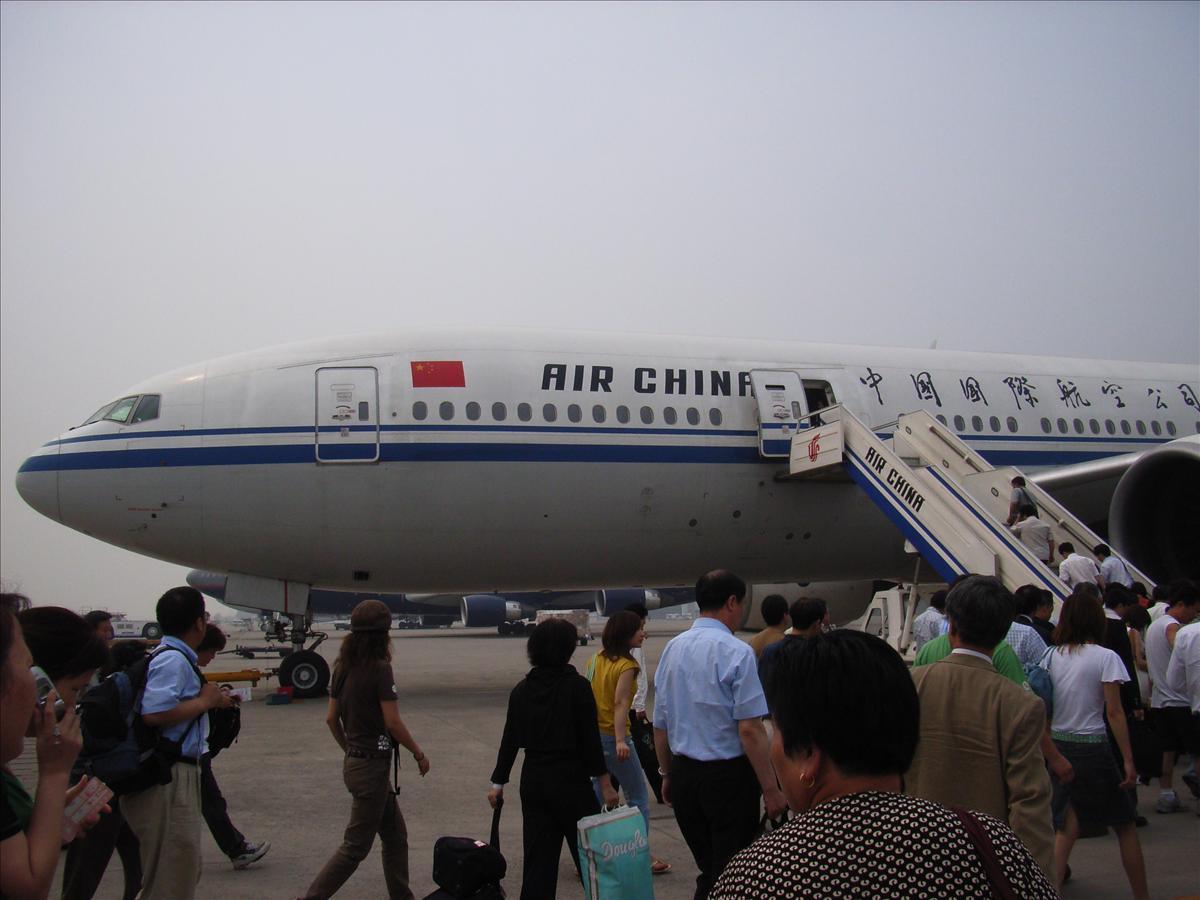 北京発大連往き ボーイング777(B777)