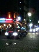 夜の麻布十番商店街1
