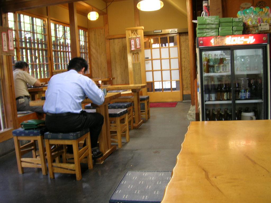 深大寺蕎麦の多聞店内2