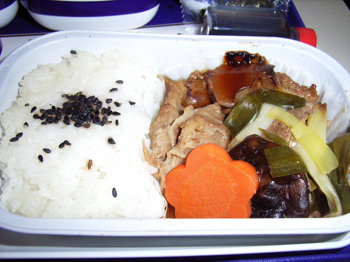 中国東方航空(MU)272便の機内食(2)