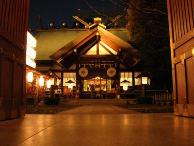 夜の東京大神宮