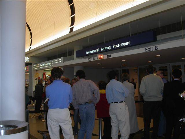 オヘア空港 到着ロビー
