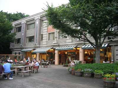上野公園のカフェ