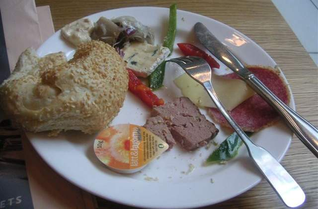 ストックホルムの朝食