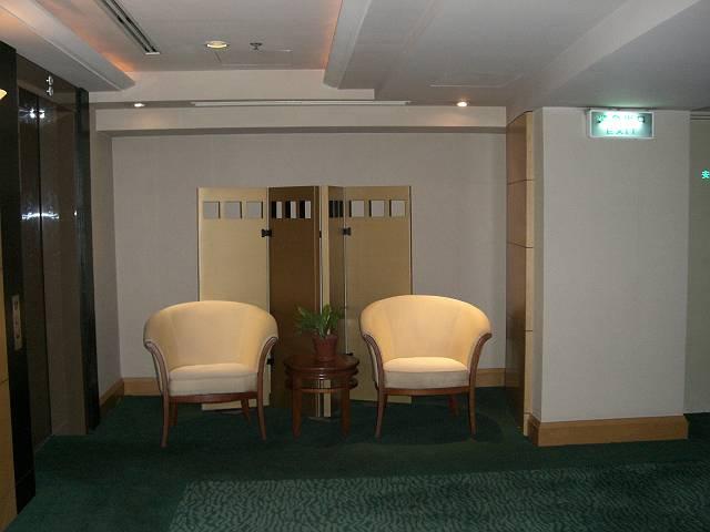 スイスホテル大連25階エレベーターホール