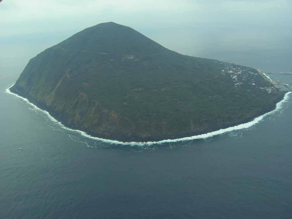 =利島=伊豆七島の一つ