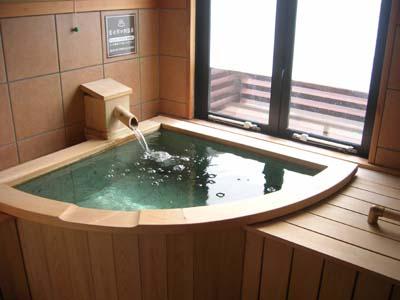 冨士レイクホテルの部屋の温泉風呂