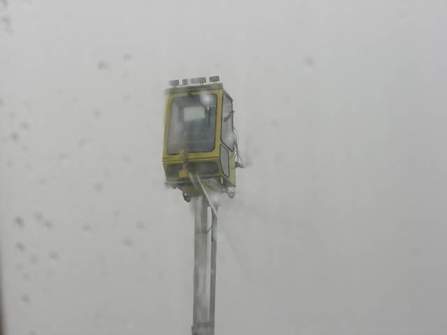 北京空港霜・氷取り作業2