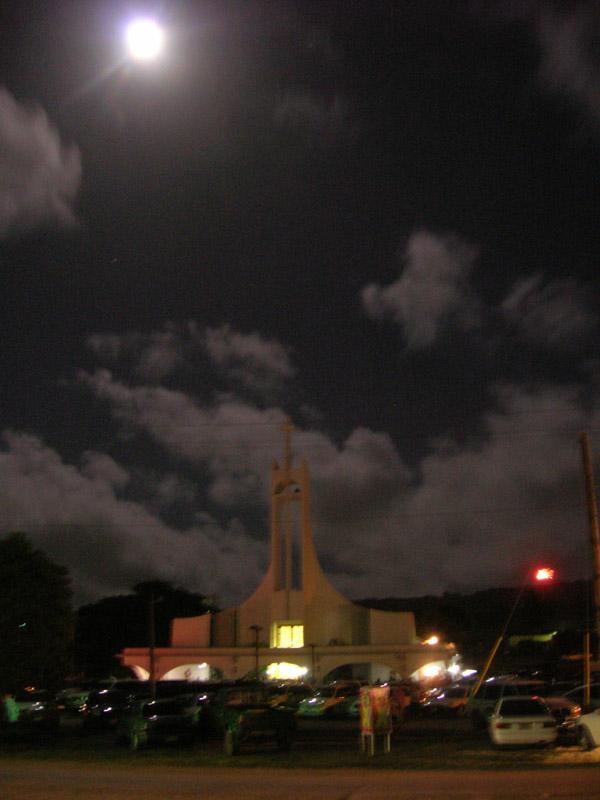 月夜の教会