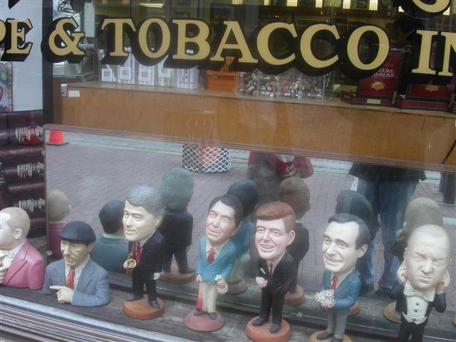 アメリカの街角のタバコ屋