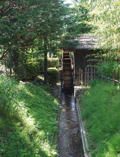 小平ふるさと村の水車