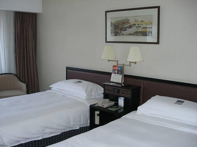 ホテル長富宮室内 1