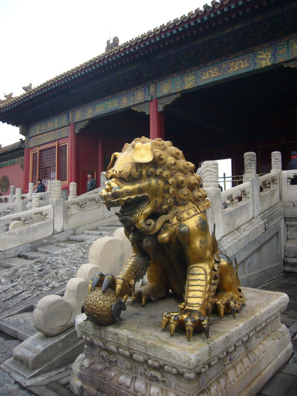塗金青銅獅子像