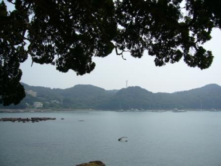 弁天島から海を見る
