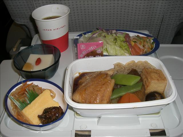 JAL8877便 上海往き 機内食