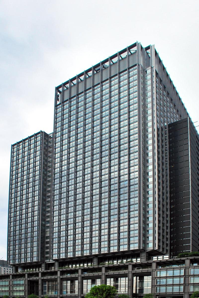 東京駅駅前の新丸ビル