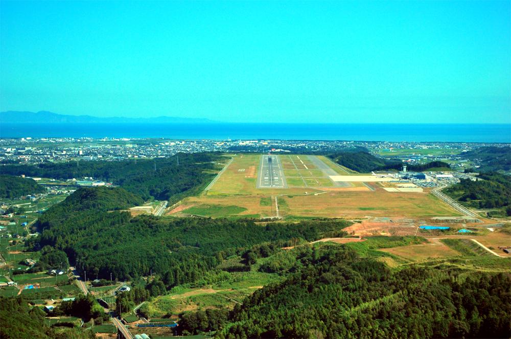 静岡空港12番滑走路